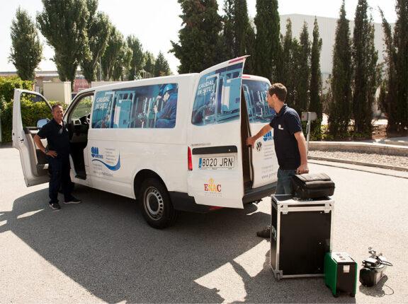laboratorio móvil caudal líquidos in situ con furgoneta
